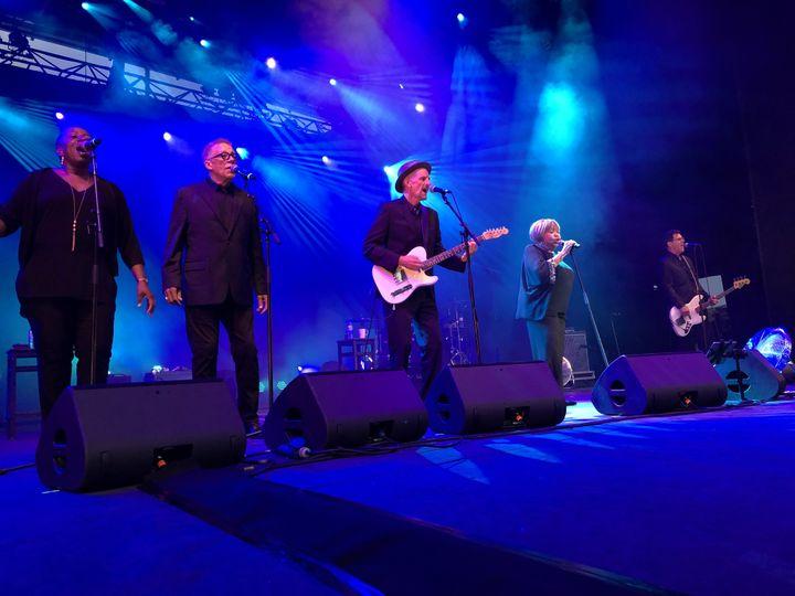 Mavis Staples et son groupe sur la scène de Fourvière (Lyon) le 6 juillet (Jean-François Convert)