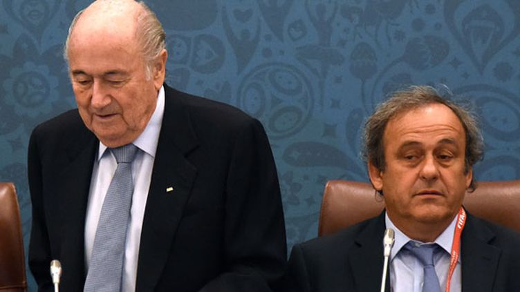 Sepp Blatter à côté de Michel Platini