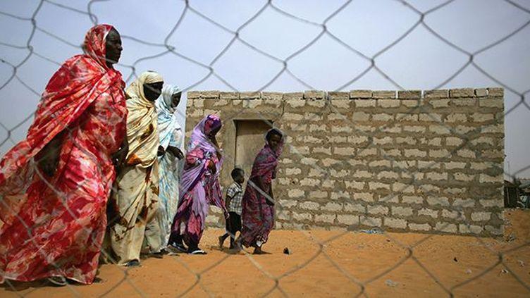 D'anciennes esclaves mauritaniennes dans la banlieue de Nouakchott, le 21 novembre 2006. (REUTERS / Rafael Marchante)