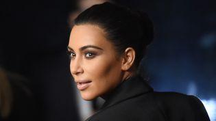 La vedette Kim Kardashian à Beverly Hills, en Californie (Etats-Unis), le 11 décembre 2014. (JASON MERRITT / GETTY IMAGES NORTH AMERICA / AFP)