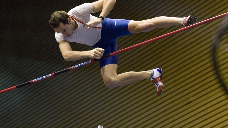 Renaud Lavillenie toujours aussi haut (THIERRY ZOCCOLAN / AFP)