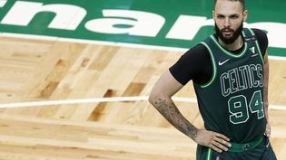 Le Français Evan Fournier des Celtics de Boston le 28 avril 2021, lors du match contre les Hornets de Charlotte.  (MADDIE MEYER / GETTY IMAGES / AFP)