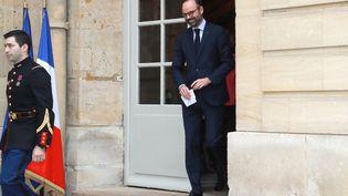 Le Premier ministre Edouard Philippe à la sortie de Matignon (Paris), le 17 janvier 2019. (JACQUES DEMARTHON / AFP)