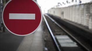 Voies de chemin de fer à la gare du Nord, à Paris. (JOEL SAGET / AFP)