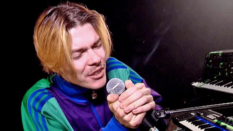 """Charles Urvoy, l'un des deux musiciens du groupe """"Colorado"""" en concert aux Trans Musicale de Rennes vendredi 2 décembre  (France 3 / Culturebox)"""