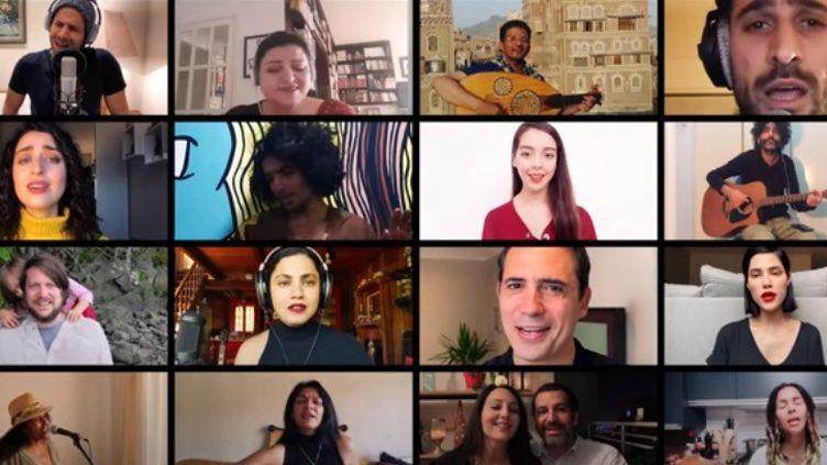 """La chanteuse tunisienneEmel Mathlouthia rassemblé une cinquantaine d'artistes pour une nouvelle version de son ode à la liberté, """"Kelmti Horra"""", diffusée en ligne. (CAPTURE D'ÉCRAN/CLIP """"KELMTI HORRA - QUARANTINE SESSION"""")"""