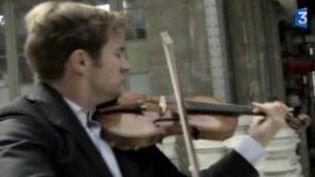 Le violoniste Renaud Capuçon devant le miroir de Capitale Culture  (Culturebox)