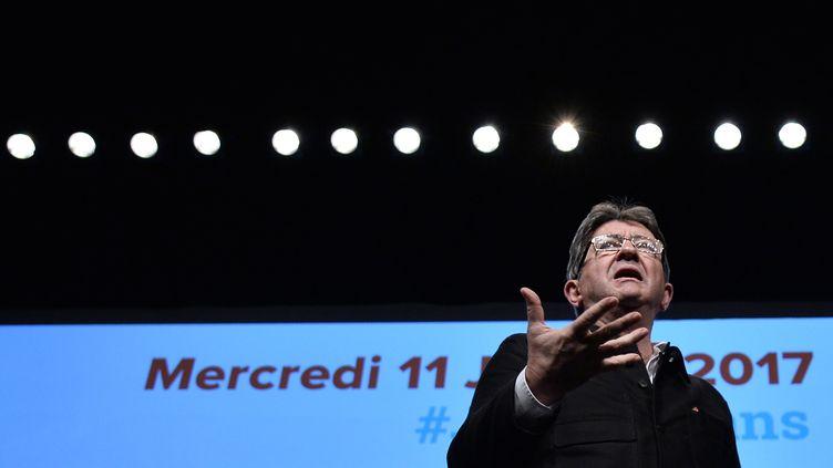 Le candidat de La France insoumise, Jean-Luc Mélenchon, en meeting le 11 janvier 2017 au Mans (Sarthe). (JEAN-FRANÇOIS MONIER / AFP)