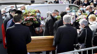 Les obsèques de Magali Blandin, le 25 mars 2021 à Bain-de-Bretagne, au sud de Rennes. (MARC OLLIVIER / MAXPPP)