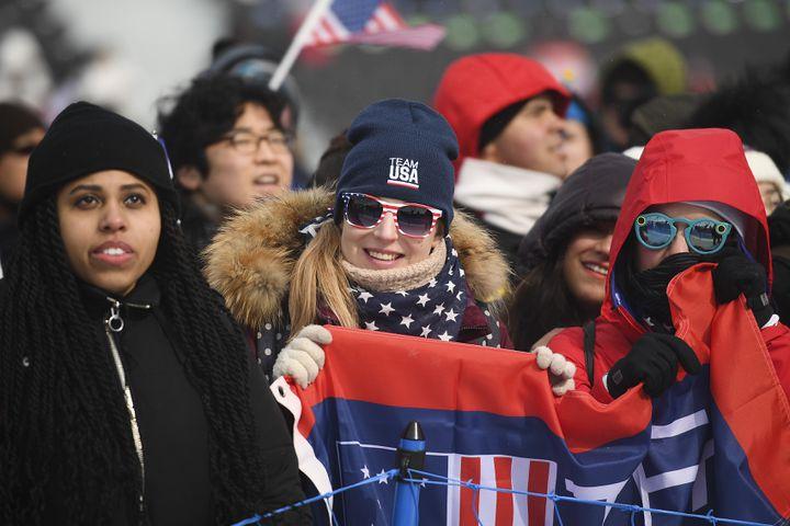 Une supportrice américaine lors des épreuves de slopestyle à Pyeongchang (Corée du Sud), le 10 févier 2018. (RAMIL SITDIKOV / SPUTNIK)