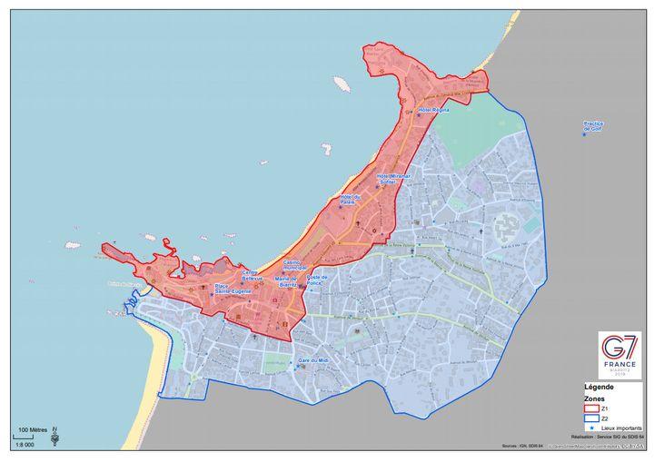 """Deux """"zones de protection"""" ont été dessinées dans la ville de Biarritz en prévision du sommet du G7. Interdite aux véhicules, la zone rouge est réservée aux résidents et aux professionnels. Les véhicules équipés d'un macaron sont tolérés dans la zone bleue. (PREFECTURE DES PYRENEES-ATLANTIQUES)"""