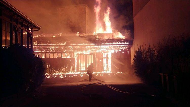 L'incendie avait complètement détruit cette église construite dans les années 50. (Police Nationale / DDSP Isère)