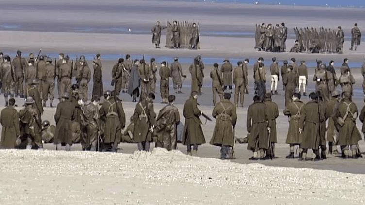 """Des figurants attendent entre deux prises sur le tournage de """"Dunkirk""""  (France3/Culturebox)"""