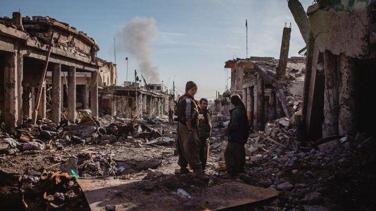 Le 14 décembre 2015, les Peshmergas (kurdes) reprenaient la ville aux mains de Daech. Un champ de ruines truffé de tunnel. (Andrea DiCenzo / NurPhoto)