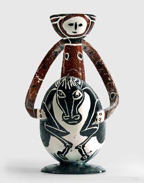Pablo Picasso, Le Cavalier, 1950, Pichet à vin en terre cuite blanche tournée. Collection particulière  (Succession Picasso 2013, Crédit photo : Maurice Aeschimann)