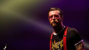 Jesse Hugues, le chanteur des Eagles of Death Metal, à Bruxelles, le 25 février 2016  (Jonas Roosens / Belga / AFP)