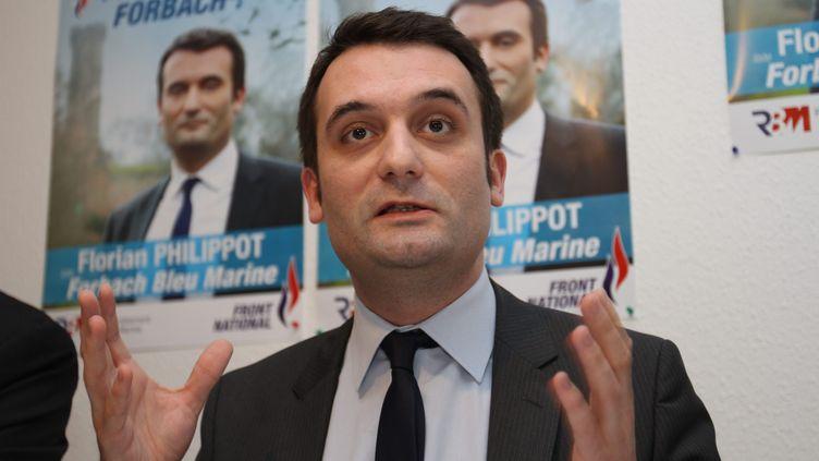 Le vice-président du Front national et candidat aux municipales Florian Philippot présente son programme à Forbach (Moselle), le 8 février 2014. (MAXPPP)