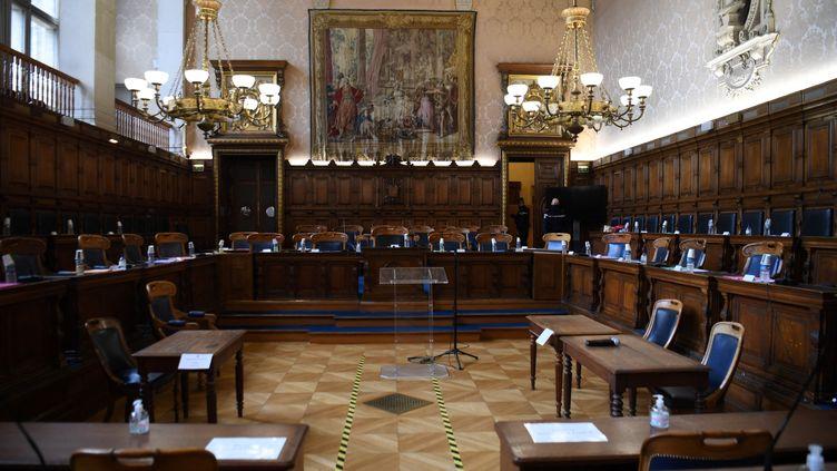 Lasalle d'audience de la Courde justice de la République, à Paris le 19 janvier 2021. (ALAIN JOCARD / AFP)