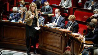 La ministre de la Transition écologique, Barbara Pompili, lors d'une séance de questions au gouvernement à l'Assemblée nationale (Paris), le 6 octobre 2020. (MAXPPP)