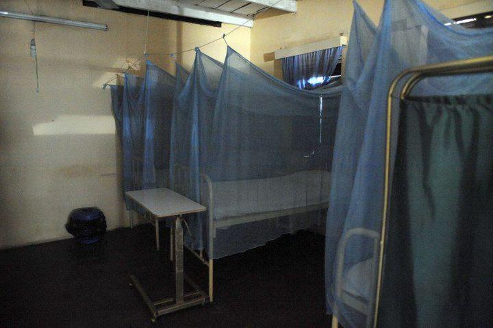 Une salle d'accouchement abandonnée dans une clinique d'Enugu après une opération de police (Photo AFP)