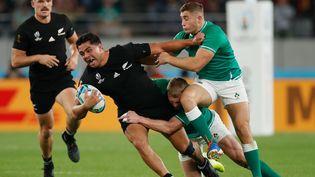 Les All Blacks et l'équipe irlandaise de rugby s'affrontent en quart de finale de la Coupe du monde de rugby, le 19 octobre 2019 à Tokyo (Japon). (ODD ANDERSEN / AFP)