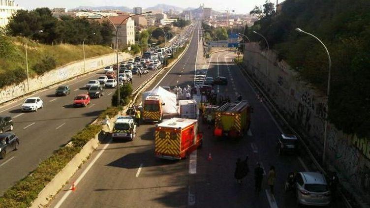 (Un règlement de comptes le 14 avril dernier sur l'autoroute à l'entrée de Marseille © Radio France / Stéphane Burgatt)