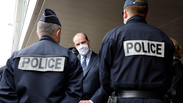 Jean Castex rencontre des policiers à Beauvais (Oise), le 5 mars 2021. (LUDOVIC MARIN / AFP)