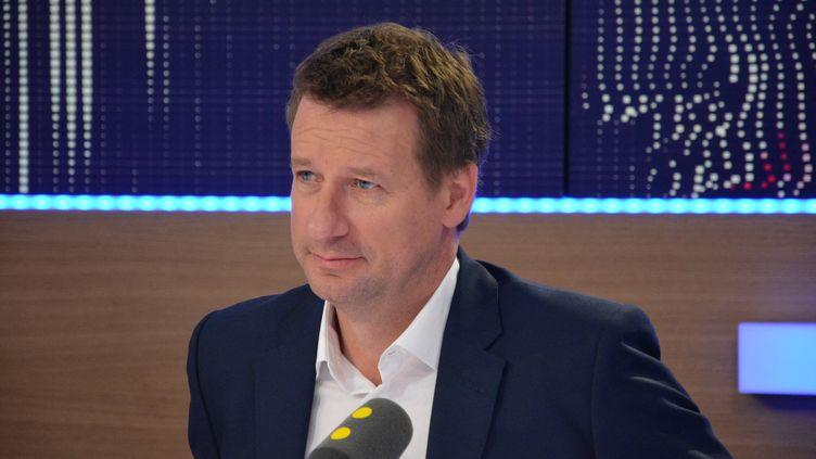 Le député européen EELV Yannick Jadot. (JEAN-CHRISTOPHE BOURDILLAT / FRANCE-INFO)