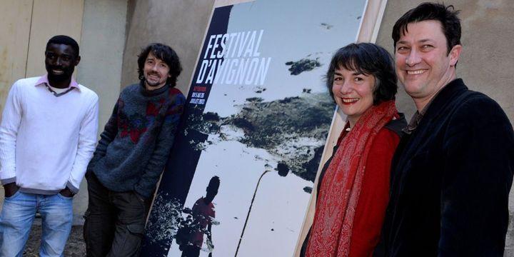 Festival d'Avignon 2013 : de gauche à droite, les artistes associés Dieudonné Niangouna et Stanislas Nordey et les directeurs Hortense Archambault et Vincent Baudriller.  (Jérôme Rey / PhotoPQR / La Provence / MaxPPP)