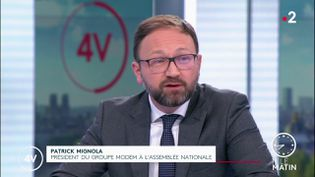 """PatrickMignola, président du groupe MoDem à l'Assemblée nationale, était l'invité des """"4 Vérités"""" de France 2, vendredi 12 février. (France 2)"""