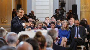 Emmanuel Macron, le 25 avril 2019. (LUDOVIC MARIN / AFP)