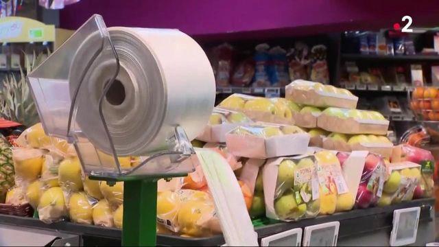 Interdiction des plastiques à usage unique : un calendrier qui ne convainc pas l'opposition