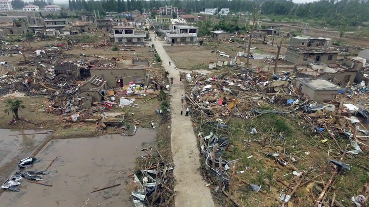 Les rues de Funing, dans l'est de la Chine,dévastées par une tornade vendredi 24 juin 2016. (JOHANNES EISELE / AFP)