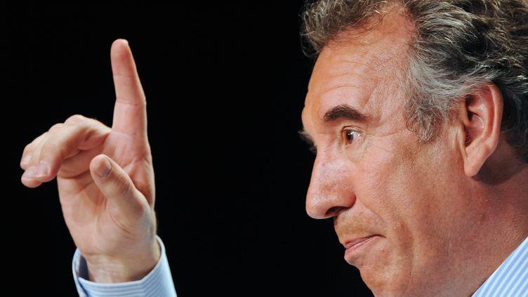 Le candidat MoDem à la présidentielle,François Bayrou, le 13 avril 2012 à Tours (Indre-et-Loire). (JEAN-FRANCOIS MONIER / AFP)