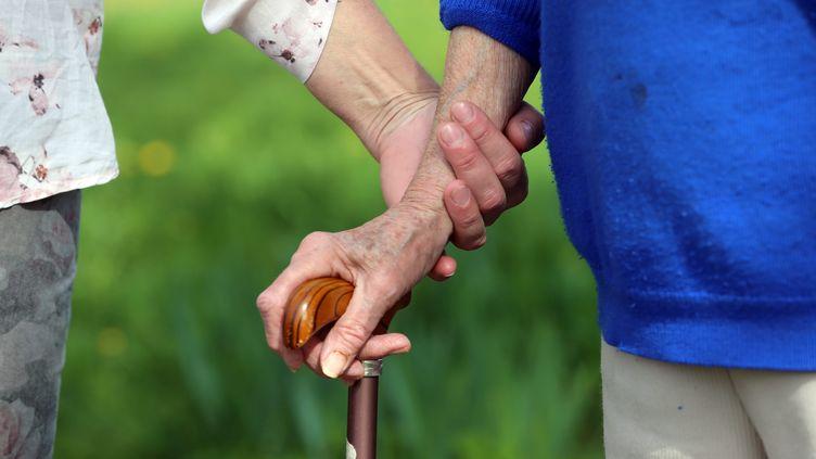 Huitmillionsde personnes s'occupent régulièrement ou au quotidien d'unproche malade, handicapé ou dépendant en France. (VANESSA MEYER / MAXPPP)