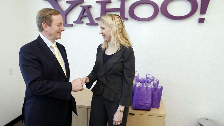Marissa Mayer, la PDG de Yahoo!, lors de la visite du Premier ministre irlandais,Enda Kenny, au siège de l'entreprise à Sunnyvale (Californie),le 21 mars 2013. (TONY AVELAR / AP / SIPA)
