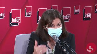 Anne Hidalgo, maire (PS) de Paris, sur France Inter le 8 mars 2021. (FRANCEINTER / RADIOFRANCE)