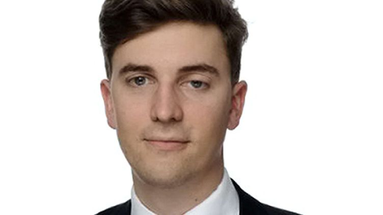 (Le fils de Nadine Ribet-Reinhart, Valentin Ribet, jeune avocat de 26 ans, a été tué lors du massacre du 13 novembre au Bataclan © SIPA)