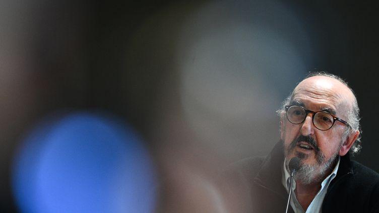 Le directeur général de Mediapro, Jaume Roures, s'exprime lors d'une conférence de presse à Paris le 21 octobre 2020.  (FRANCK FIFE / AFP)