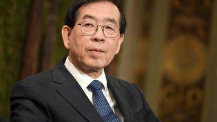 Le maire de Séoul, Park Won-Soon, participe à une réunion sur la pollution de l'air organisée à Paris, le 29 mars 2017. (PHILIP ROCK / ANADOLU AGENCY / AFP)