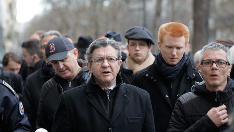 Jean-Luc Mélenchon (au centre) dans la manifestation des cheminots le28 mars2018. (MAXPPP)