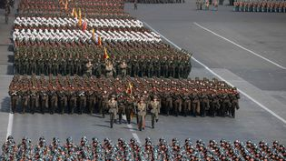 Un défilé militaire en Corée du Nord, le 9 février 2018. (KCNA VIA KNS / KCNA VIA KNS)