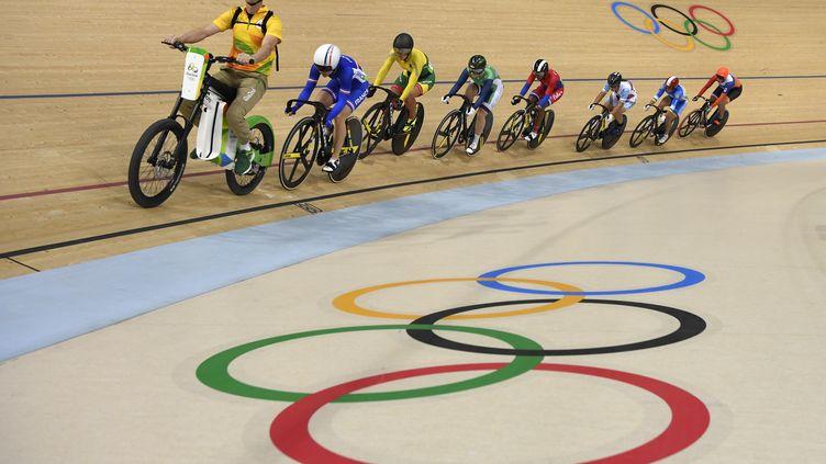 L'épreuve de cyclisme sur piste féminin le 13 août à Rio. (ERIC FEFERBERG / AFP)