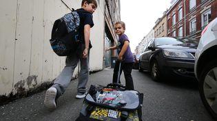 Deux enfantssur le chemin de l'école. (MAXPPP)