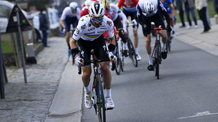 Julian Alaphilippe de l'équipe Deceuninck - Quick-Step lors de la course Omloop Het Nieuwsblad, le 27 février 2021.  (POOL NICO VEREECKEN / BELGA MAG)
