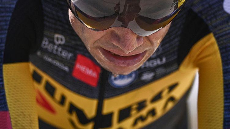 Le coureur belge Wout Van Aert lors du contre-la-montre entre Libourne et Saint-Emilion, le 17 juillet 2021. (ANNE-CHRISTINE POUJOULAT / AFP)
