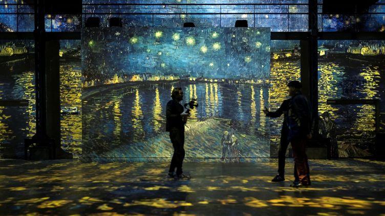 Vincent Van Gogh en projection numérique à lAtelier des Lumières à Paris (février 2019)  (Lionel Bonaventure / AFP)