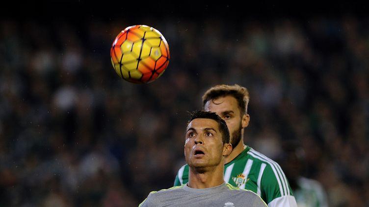 Cristiano Ronaldo à la peine face au Betis Séville (CRISTINA QUICLER / AFP)
