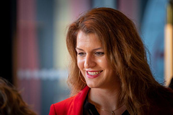 Marlène Schiappa,secrétaire d'État chargée de l'Égalité entre les femmes et les hommesaccompagne l'ex-candidat aux municipales, Benjamin Griveaux, lors de la présentation de ses voeux aux parisiens, le 16 janvier 2020. (CARINE SCHMITT / HANS LUCAS)