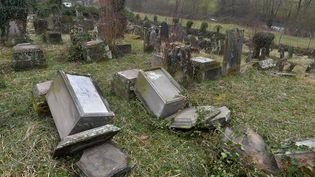 Le cimetière juif de Sarre-Union (Bas-Rhin), le 17 février 2015. (PATRICK HERTZOG / AFP)